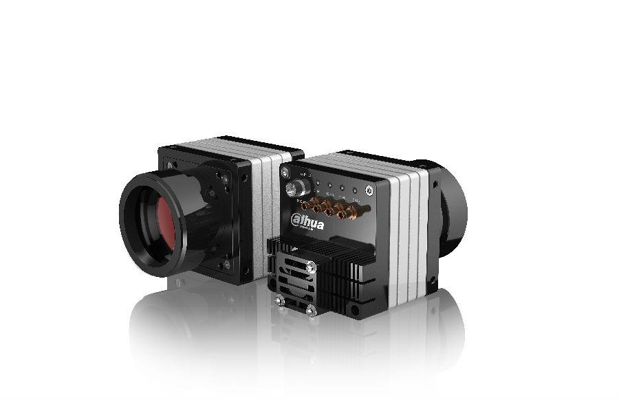 华睿科技最新推出的50MP CMOS大面阵工业相机,是专为更高分辨率和更高图像画质要求的应用而设计的划时代产品。 更高的分辨率:采用先进的CMOS Global shutter传感器,分辨率最大可达50MP。 更清晰的图像质量:华睿科技强大的ISP算法,使画质更细腻、细节更清晰。 更高的传输速率:采用CoaXPress-6接口,理论带宽可达4*6.